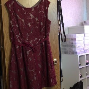 Modcloth Yellow Star burgundy lace w/gold dress